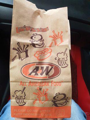 Foto 2 - Makanan di A&W oleh Amrinayu