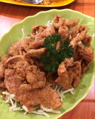 Foto 2 - Makanan(Kulit ayam goreng) di HangOut oleh Claudia @claudisfoodjournal