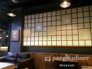 Foto 6 - Interior di Shibuya Cafe oleh Slimybelly