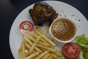 Foto 7 - Makanan di Cyrano Cafe oleh yudistira ishak abrar