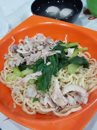 Foto 1 - Makanan di Mie Ayam Uban oleh Stallone Tjia (@Stallonation)