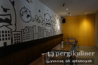Foto 5 - Interior di Mie Monster oleh Yussaq & Ilatnya