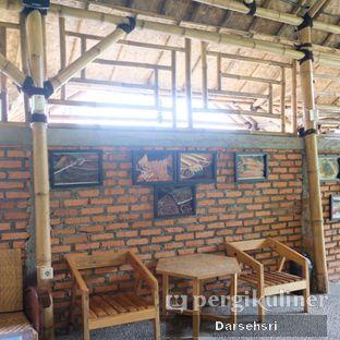 Foto 16 - Interior di Ruang Riung Coffee & Eatery oleh Darsehsri Handayani
