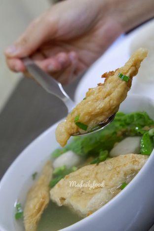 Foto 2 - Makanan(Tahu kok dan tekwan) di Bakmi Bangka Amin oleh food