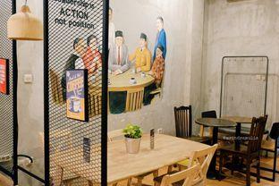 Foto 11 - Interior di Diskusi Kopi dan Ruang Berbagi oleh Indra Mulia
