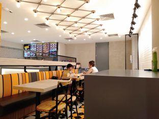 Foto 3 - Interior di BurgerUP oleh Stefany Violita