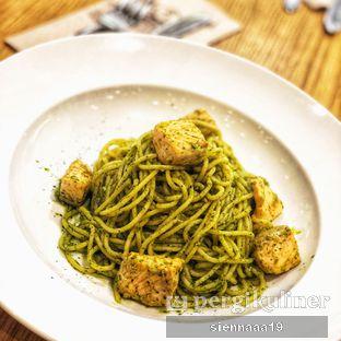 Foto 3 - Makanan(Salmon & Pesto) di Pancious oleh Sienna Paramitha