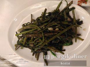 Foto 4 - Makanan(Kangkung bawang putih) di D' Cost oleh Winata Arafad