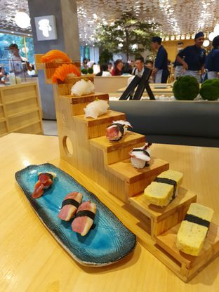Foto 7 - Makanan di Sushi Hiro oleh Makan2 TV Food & Travel