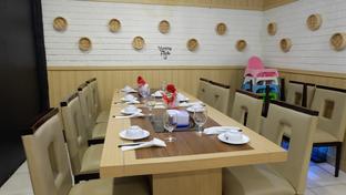 Foto 2 - Interior di Rainbow Kitchen oleh Yummyfoodsid