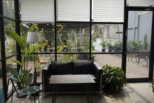 Foto 14 - Interior di Semusim Coffee Garden oleh yudistira ishak abrar