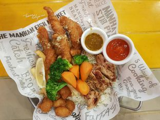 Foto 2 - Makanan(Scallops Fish Chicken) di The Manhattan Fish Market oleh Teman Kelaparan