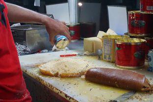 Foto 1 - Makanan di Martabak Sinar Bulan oleh Sylvia Eugene