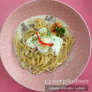 Foto 2 - Makanan di La Vie Kitchen and Coffee oleh @NonikJajan