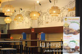Foto 6 - Interior di Pak Qomar - Bebek & Ayam Goreng oleh Jakartarandomeats