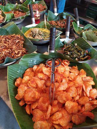 Foto 3 - Makanan di Alas Daun oleh Anne Yonathan