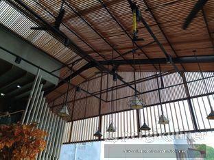Foto 5 - Interior di Beranda Depok Cafe & Resto oleh Andre Joesman