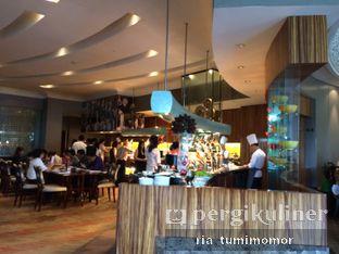 Foto 3 - Interior di The Cafe - Hotel Mulia oleh Ria Tumimomor