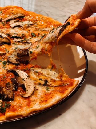 Foto 6 - Makanan di Pizza Marzano oleh Riani Rin