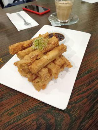 Foto 4 - Makanan(Tempeh Mendoan Sticks) di Onni House oleh Florentine Lin