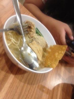 Foto 1 - Makanan(baso segar malam hari) di BMK (Baso Malang Karapitan) oleh Threesiana Dheriyani