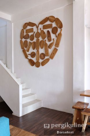 Foto 7 - Interior di Groots Coffee oleh Darsehsri Handayani