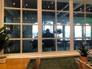 Foto 4 - Interior di Grouphead Coffee oleh Budi Lee