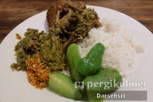 Foto 1 - Makanan di Nasi Bebek Ginyo oleh Darsehsri Handayani