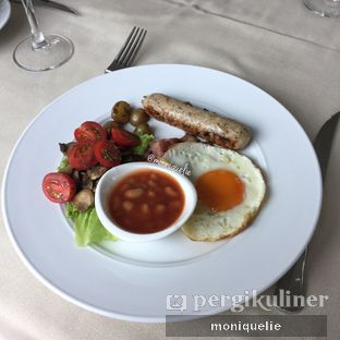 Foto 1 - Makanan(English Breakfast) di Platinum Grill oleh Monique @mooniquelie @foodinsnap