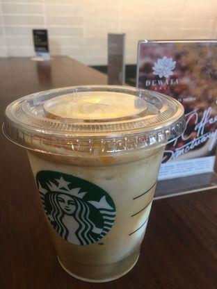 Foto 2 - Makanan di Starbucks Coffee oleh Prido ZH