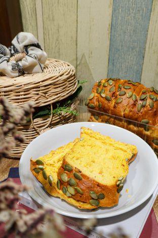 Foto 3 - Makanan di Francis Artisan Bakery oleh thehandsofcuisine