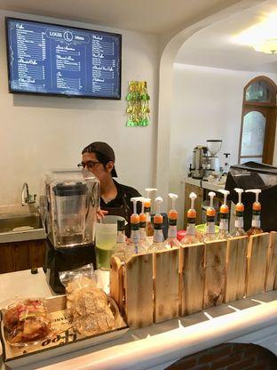 Foto 9 - Interior di Louis Coffee oleh Prido ZH