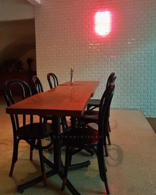 Foto 6 - Interior di Please Please Please oleh Eat and Leisure