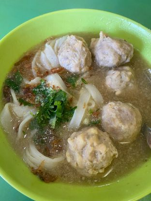 Foto 2 - Makanan di Bakso Solo Samrat oleh Duolaparr