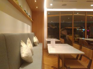 Foto 13 - Interior di Lewis & Carroll Tea oleh Renodaneswara @caesarinodswr