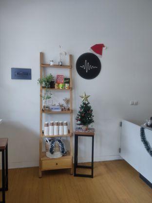 Foto 6 - Interior di Ruach Coffee oleh Makan Terus