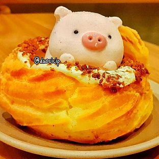 Foto 5 - Makanan(Pig Puff) di C for Cupcakes & Coffee oleh felita [@duocicip]