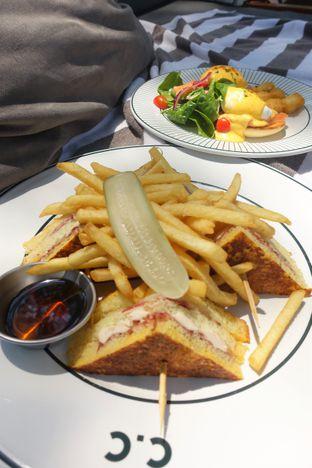 Foto 7 - Makanan di Cork&Screw Country Club oleh inggie @makandll