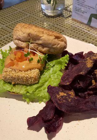 Foto 5 - Makanan(Crispy Tofu Burger) di Burgreens Express oleh maysfood journal.blogspot.com Maygreen