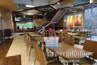 Foto 6 - Interior di Dunkin' Donuts oleh Darsehsri Handayani