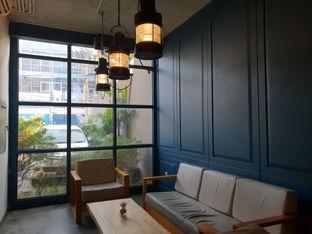Foto 3 - Interior di Koultoura Coffee oleh Ken @bigtummy_culinary