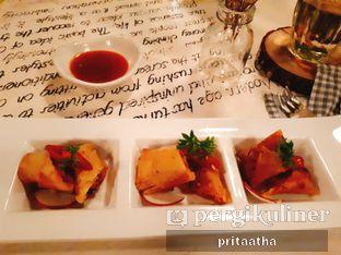 Foto 3 - Makanan(Salmon Spring Roll) di Onni House oleh Prita Hayuning Dias