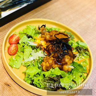 Foto 2 - Makanan(chicken teriyaki salad) di Pan & Co. oleh Sienna Paramitha