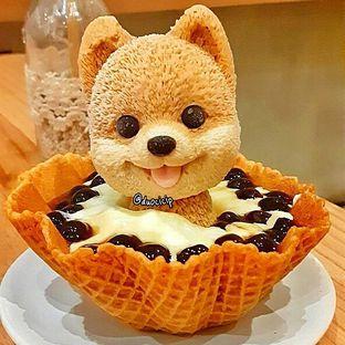 Foto 1 - Makanan(Doggie Onsen) di C for Cupcakes & Coffee oleh felita [@duocicip]