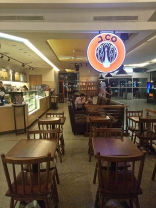 Foto 5 - Eksterior di J.CO Donuts & Coffee oleh yudistira ishak abrar