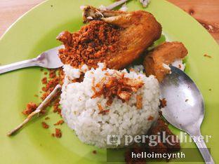 Foto - Makanan(Ayam goreng dada) di Ayam Goreng Borobudur oleh cynthia lim