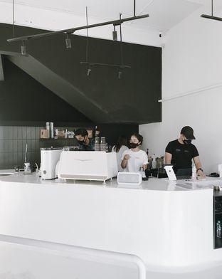Foto 6 - Interior di After Friday Coffee oleh Della Ayu
