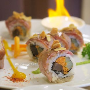 Foto review Umamya Sushi oleh Astrid Wangarry 7
