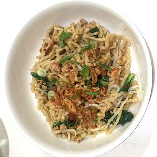 Foto 1 - Makanan di Mie Ayam Bangka Papan Merah oleh Prajna Mudita
