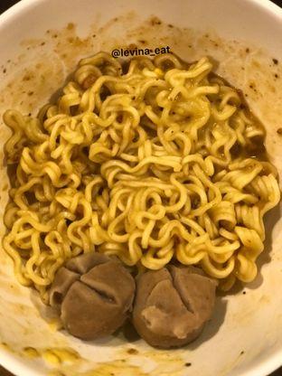 Foto 6 - Makanan(Indomie Goreng Telor Asin Dengan Bakso) di Upnormal Coffee Roasters oleh Levina JV (IG : levina_eat )